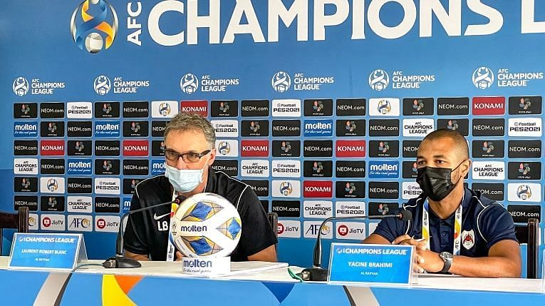 Laurent Blanc interacts with the press ahead of a reverse fixture against FC Goa.
