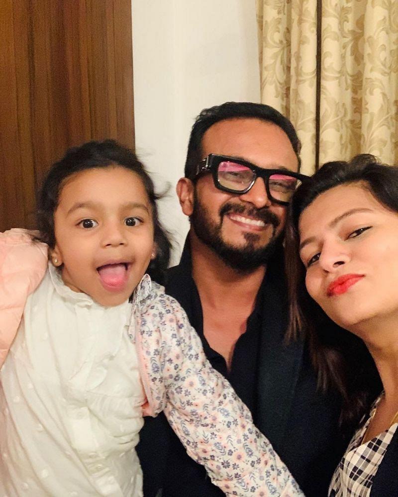 Kedar Jadhav with Family