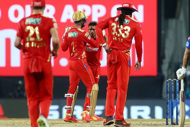 Ravi Bishnoi and KL Rahul celebrate a wicket (Image courtesy: IPLT20.com)