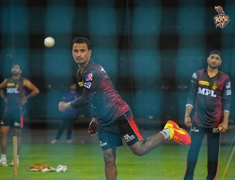 IPL 2021: KKR spinner Pawan Negi fine-tuning skills under Harbhajan Singh's watchful eyes