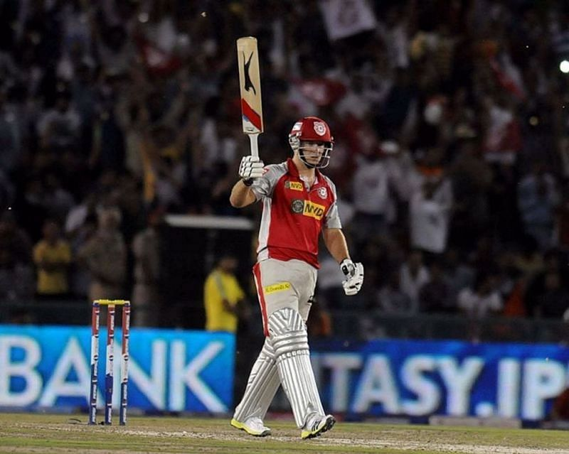 David Miller acknowledges the crowd after his blistering knock (yahoo.net)