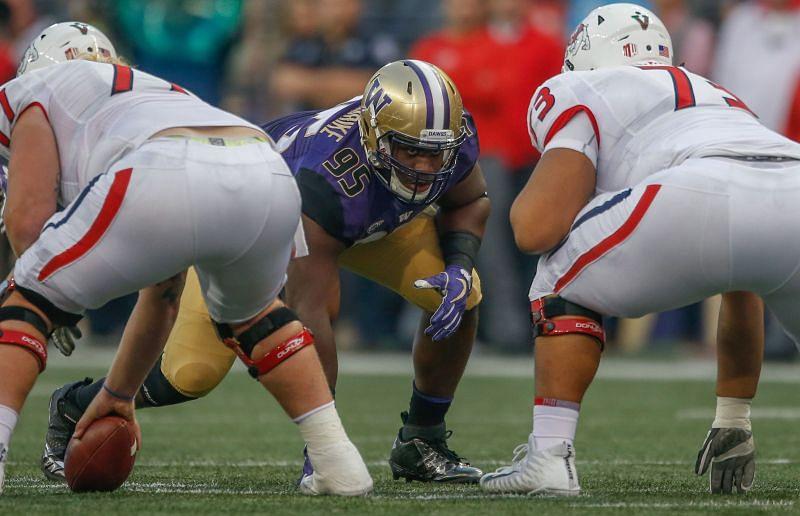 Washington defensive tackle Levi Onwuzurike lines up against Fresno State.