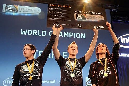Azael winning the Intel Extreme Masters World Championship with EG in 2010 (Image via ESL Archives)