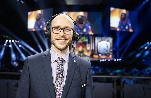 Azael is currently a full-time LCS caster (Image via Riot Games)