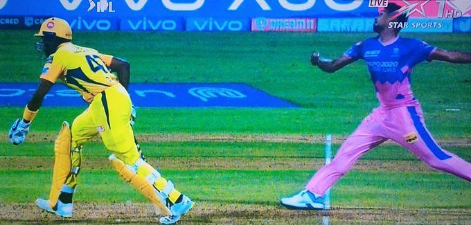 This incident between RR vs CSK sparked controversy. Pic Credit: Twitter