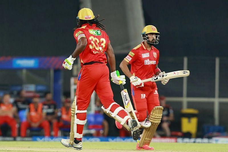 Chris Gayle and KL Rahul Pic: IPLT20.COM
