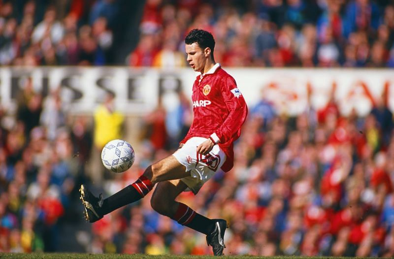 Ryan Giggs of Manchester United holds the record for most Premier League titles (13)