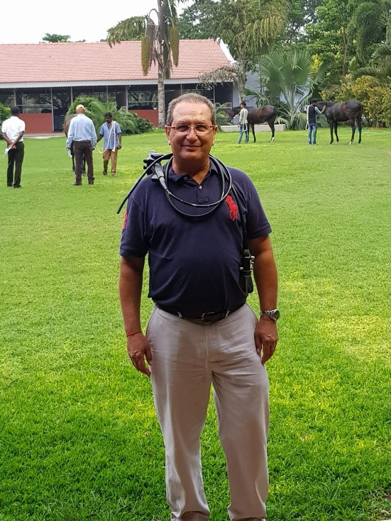 Dr. Hasneyn Mirza