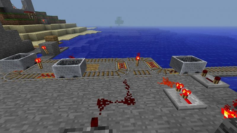 A minecart with lots of Redstone (Image via furfallminecraft.blogspot.com)