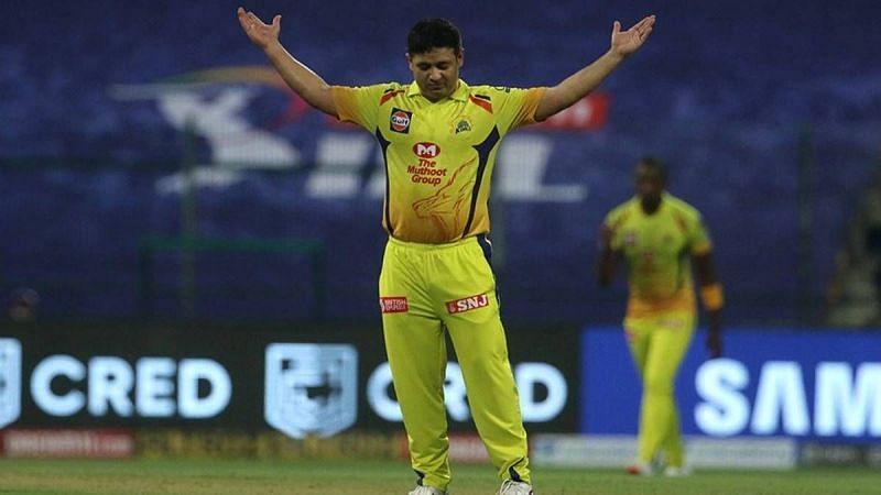 Brad Hogg wants Mumbai Indians newcomer Piyush Chawla to start ahead of Rahul Chahar.