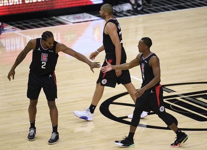 Rajon Rondo with his new LA Clippers teammate Kawhi Leonard