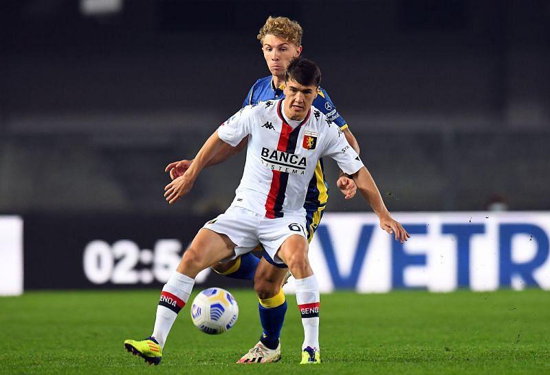 Eldor Shomurodov in action for Genoa