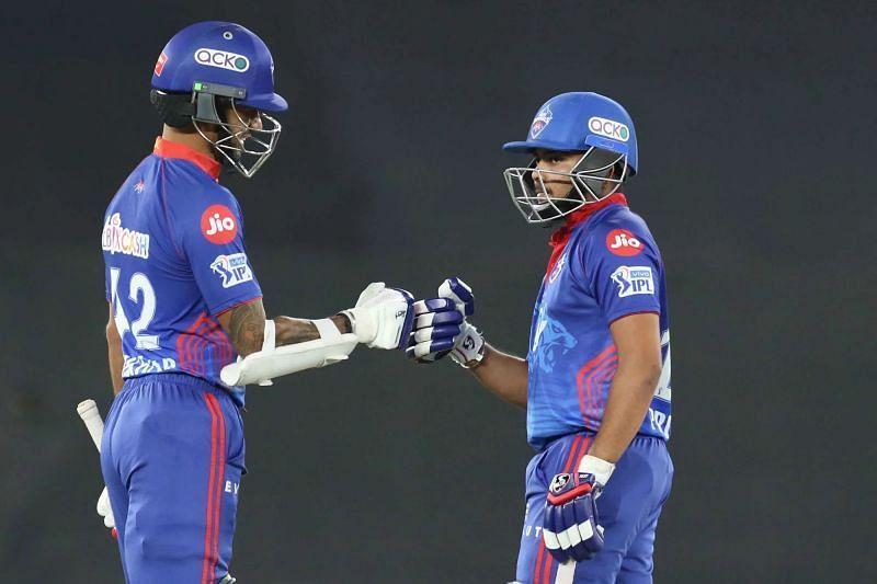Shikhar Dhawan (left) Pic: IPLT20.COM