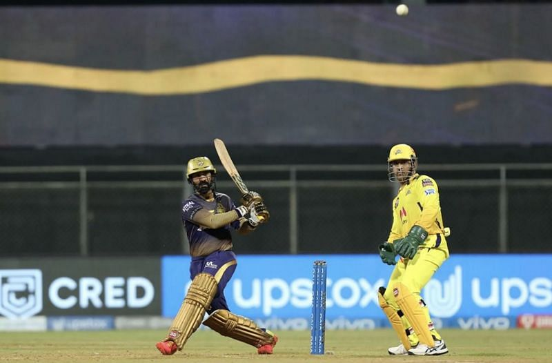 MS Dhoni watches a free-flowing Dinesh Karthik (Photo: BCCI)