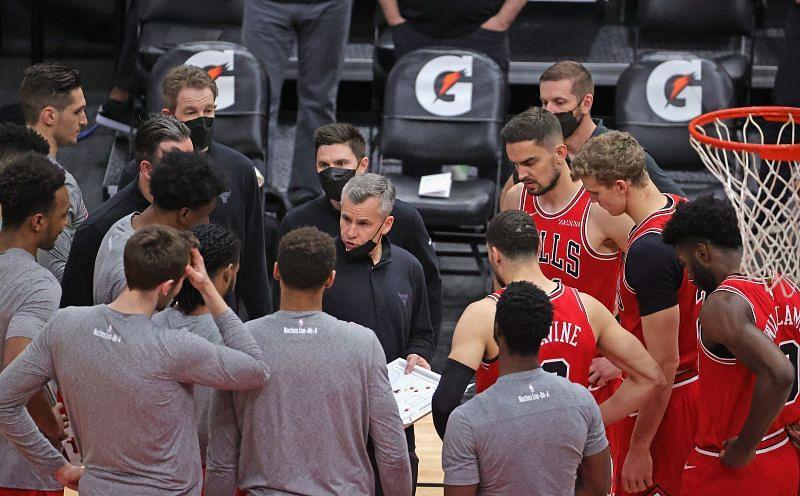Chicago Bulls team huddle