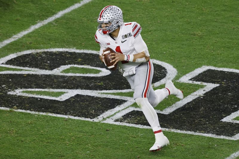 Qb Justin Fields playing for Ohio State
