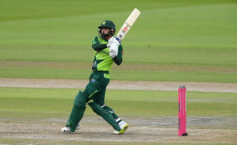 Hafeez will look to anchor the Pakistan middle-order