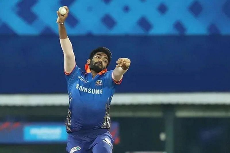 MI vs CSK: 3 Bowlers to watch out for
