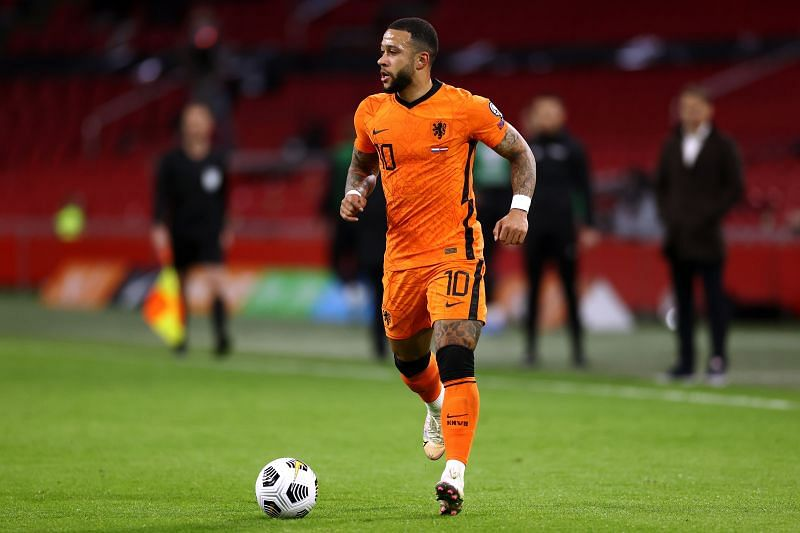 Memphis Depay in action for the Netherlands