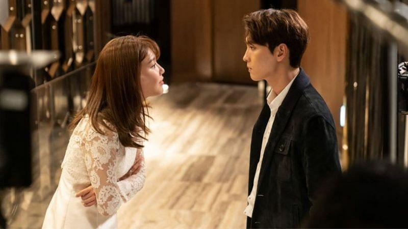 "Choi Sooyoung and Choi Tae Joon in ""So I Married An Anti-Fan"" (Image via Naver TV/Rakuten Viki)"