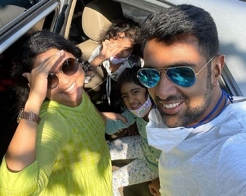रविचंद्रन अश्विन अपने परिवार के साथ