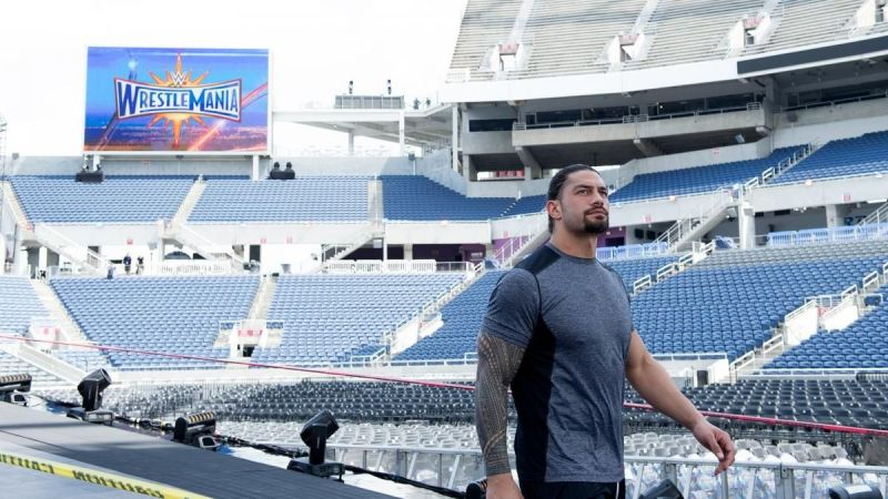 Roman Reigns gave Apollo Crews a pep talk on WWE SmackDown