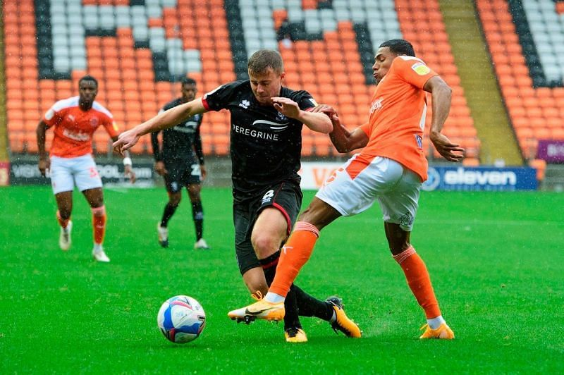 Blackpool and Lincoln fight for a place in the Championship
