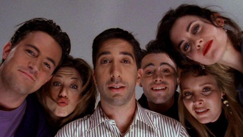 """Still from """"Friends"""" (Image via Warner Bros.)"""