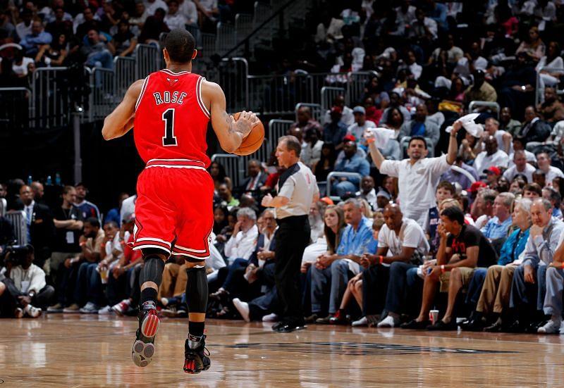 Derrick Rose (#1) of the Chicago Bulls