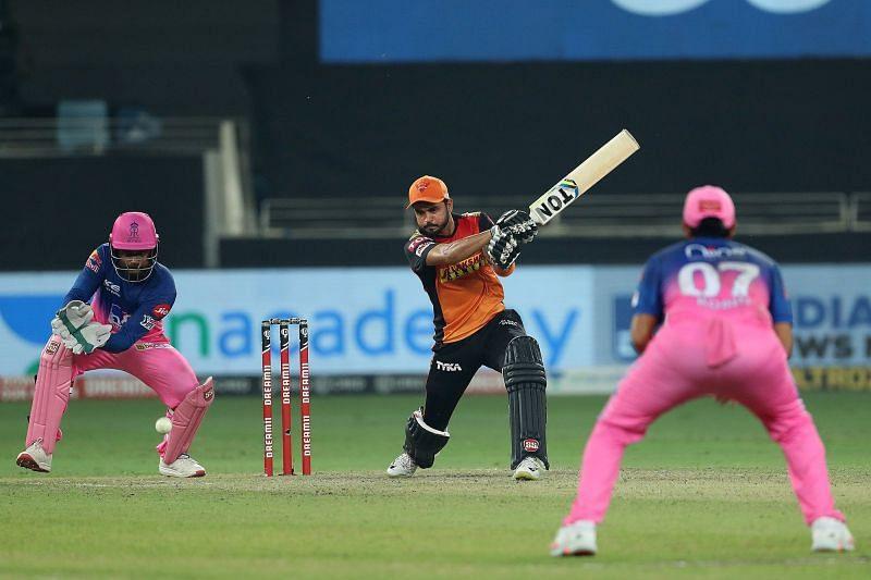 The Sunrisers Hyderabad will cross swords with the Rajasthan Royals at Arun Jaitley Stadium on Sunday afternoon (Image Courtesy: IPLT20.com)
