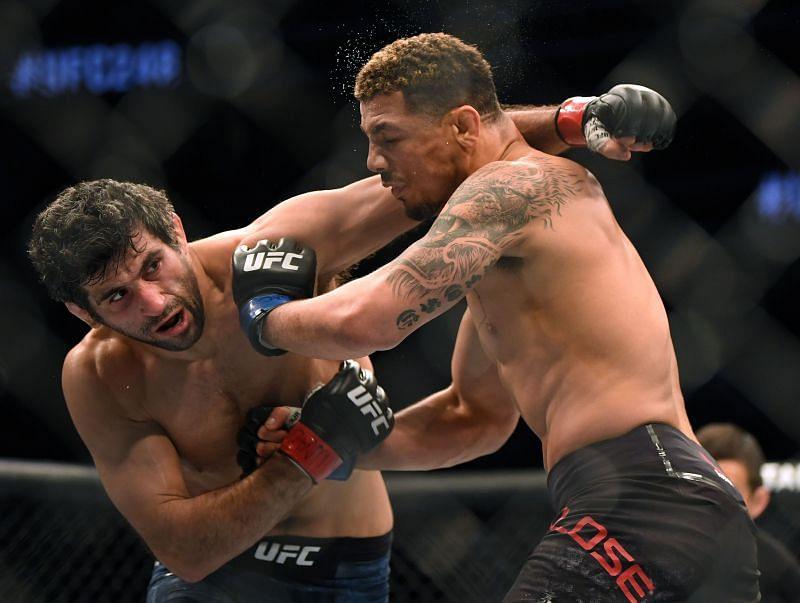 UFC 248 Adesanya v Romero h v Hol
