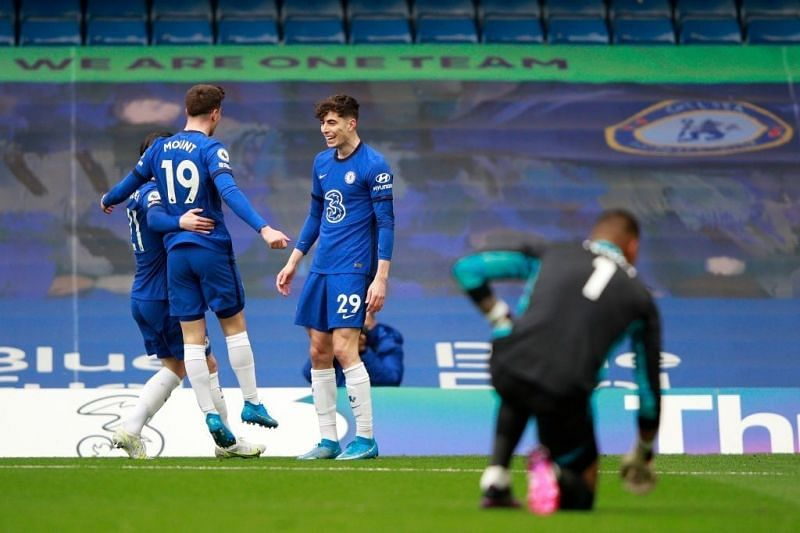 Chelsea downed Fulham in a facile London derby win