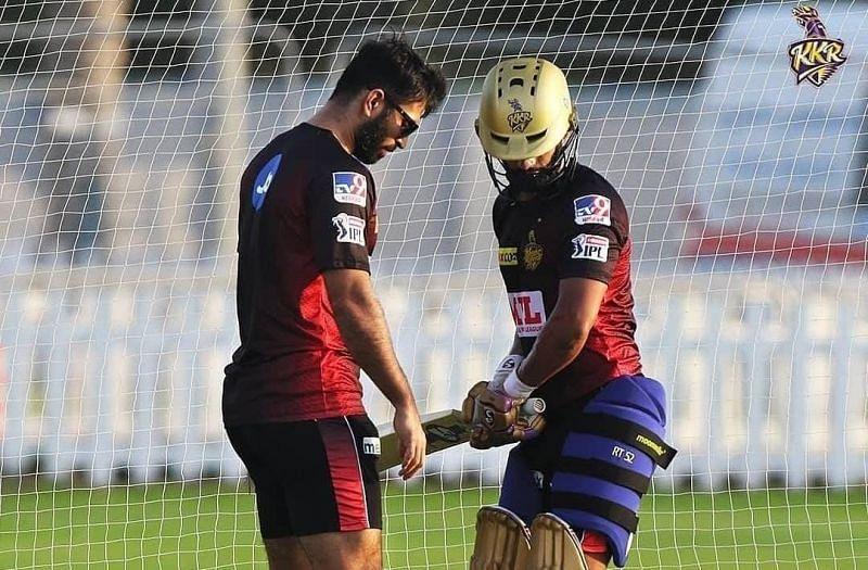 Rahul Tripathi (R) and KKR batting coach Abhishek Nayar (L) during a nets session [Credits: KKR]
