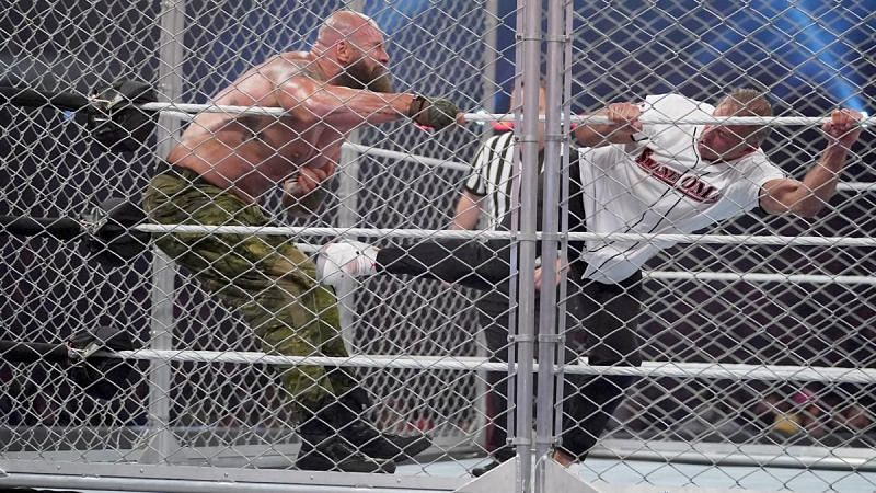 Braun Strowman defeated Shane McMahon in a Steel Cage match