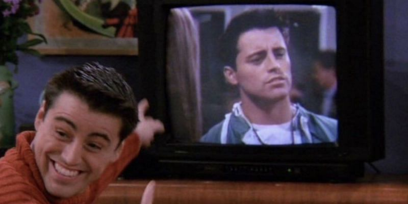 """Still from the """"Friends"""" series featuring Joey (Image via Warner Bros.)"""
