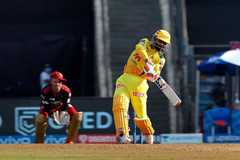 Ravindra Jadeja in action during the match against the Royal Challengers Bangalore (Image Courtesy: IPLT20.com)