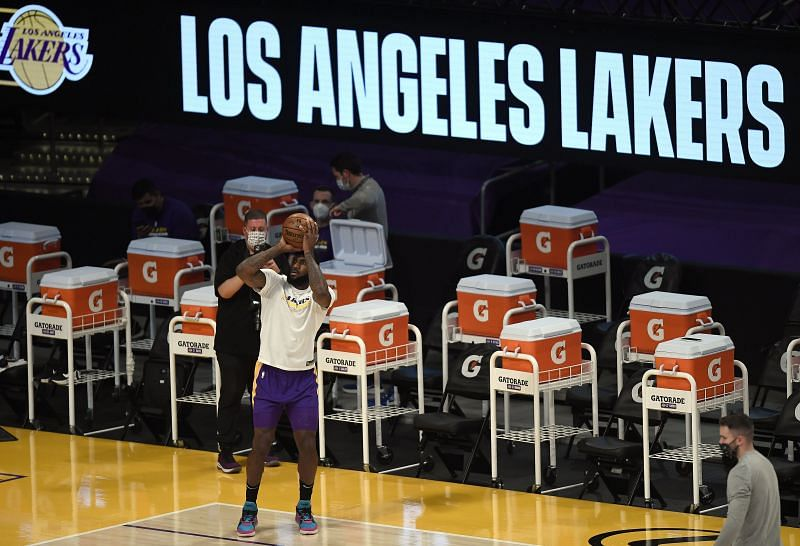 LeBron James #23 of the LA Lakers warms up