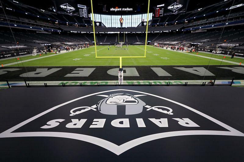 Tampa Bay Buccaneers v Las Vegas Raiders