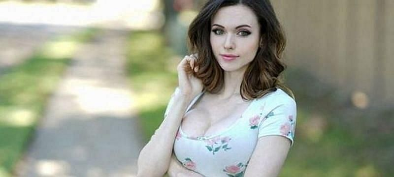 """Amouranth was recently accused by Ludwig of """"milking views"""" during a hot-tub stream."""