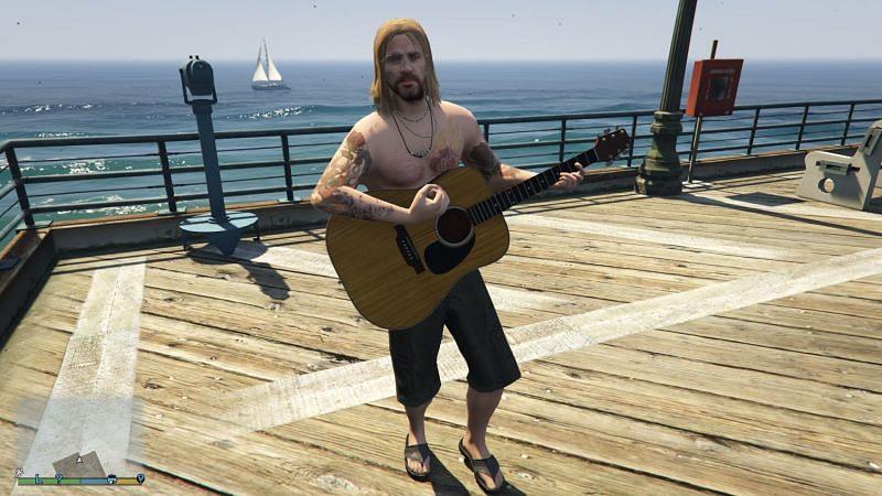 Un musicien ambulant dans GTA 5 (Image via GTA Wiki)