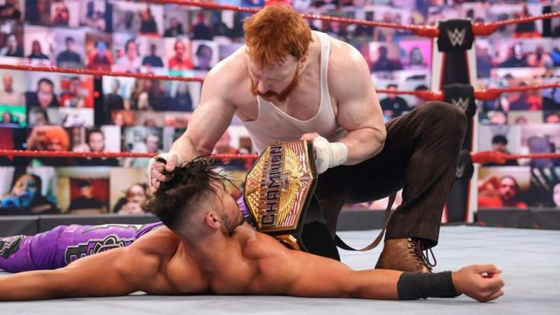 Sheamus flaunts his title after ambushing Humberto