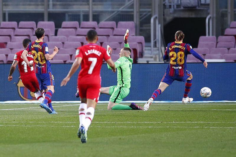 Darwin Machis of Granada CF scores their team