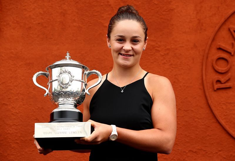 Asleigh Barty with the 2019 French Open trophy