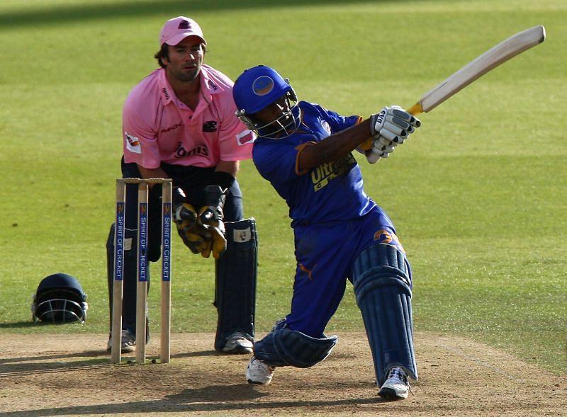 Former Rajasthan Royals star Swapnil Asnodkar has heaped praise on RCB