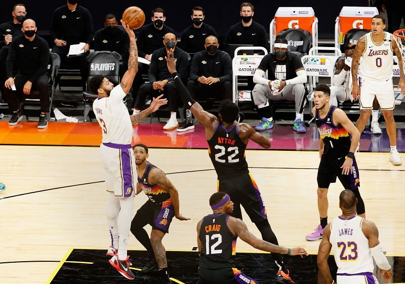 Los Angeles Lakers v Phoenix Suns - Game 1