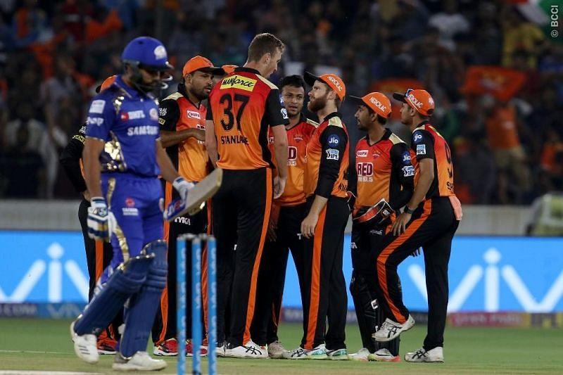 SRH celebrating a wicket of a dejected Rohit Sharma (IPLT20.com)