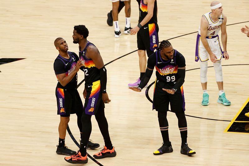 Chris Paul and Deandre Ayton of the Phoenix Suns