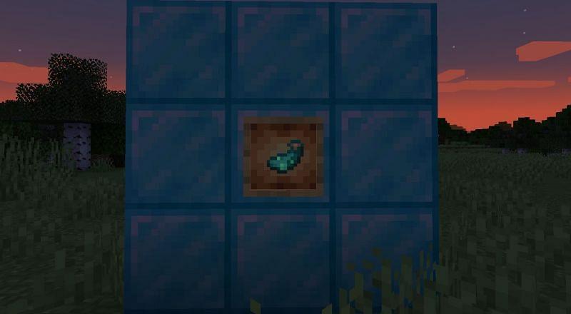 A Glow Ink Sac inside of a Glow Item Frame (Image via Minecraft)