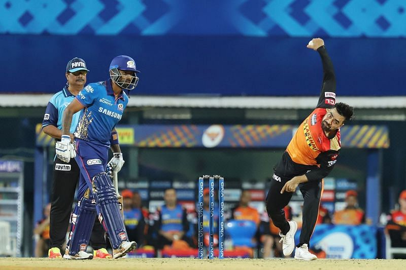 Can the Sunrisers Hyderabad beat the two-time defending champions at Arun Jaitley Stadium? (Image Courtesy: IPLT20.com)