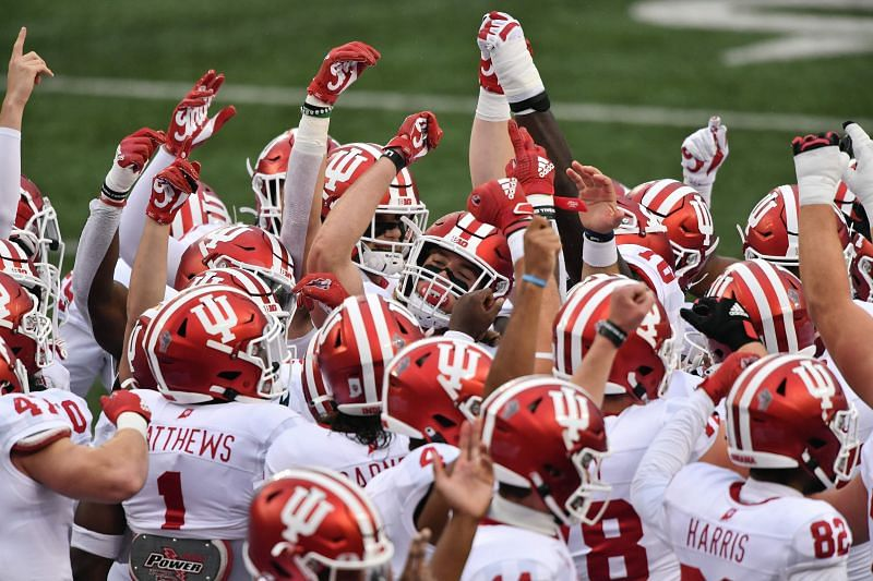 Indiana Hoosiers gets ready for a meeting with the Ohio State Buckeyes